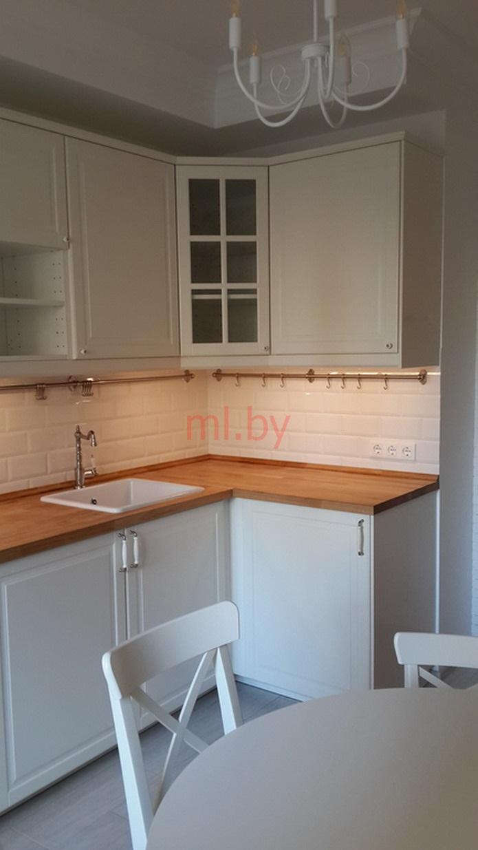 белая крашенная кухня из икеи Mlby